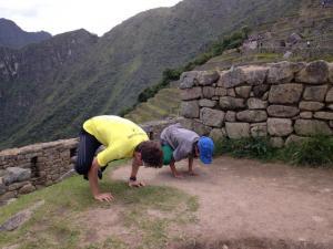 Aluno Luiz e seu filho no Santuário de Machu Picchu